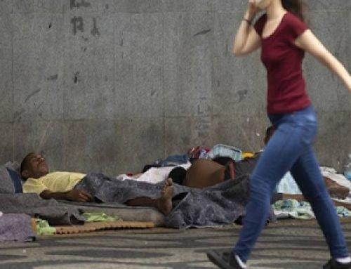Pandemia da pobreza: desemprego muda perfil da população de rua do Rio