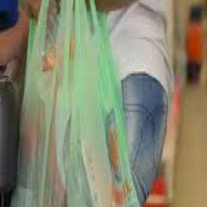Covid-19: 'Cansei de lavar compras'. Risco de se infectar ainda existe?